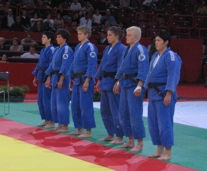 Ekipa_Slovenije_na_svetovnem_ekipnem_prvenstvu_Pariz_2006-1